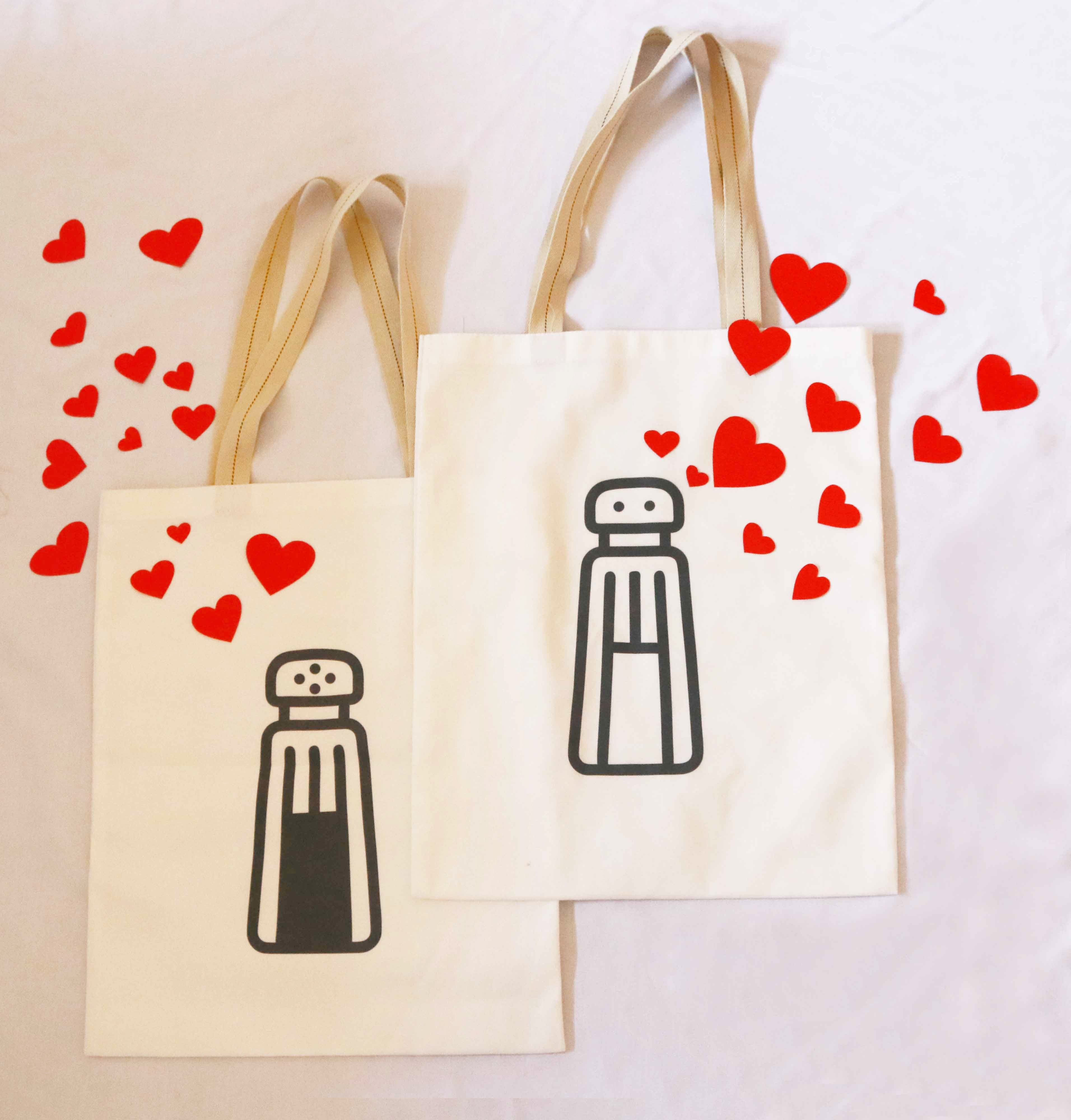 Salt n' Pepper Shaker Couple Tote Bags