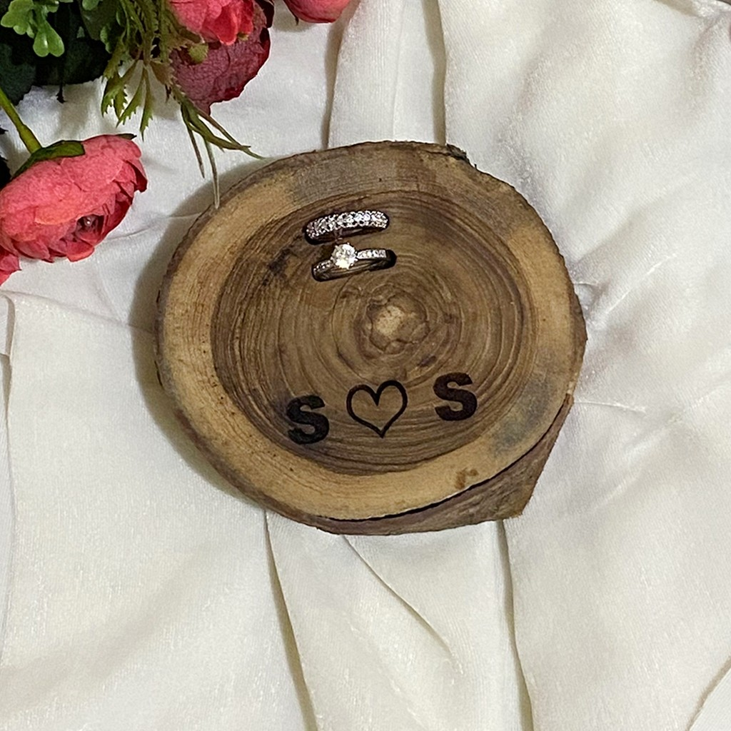 Mini Log Couple Ring Holder