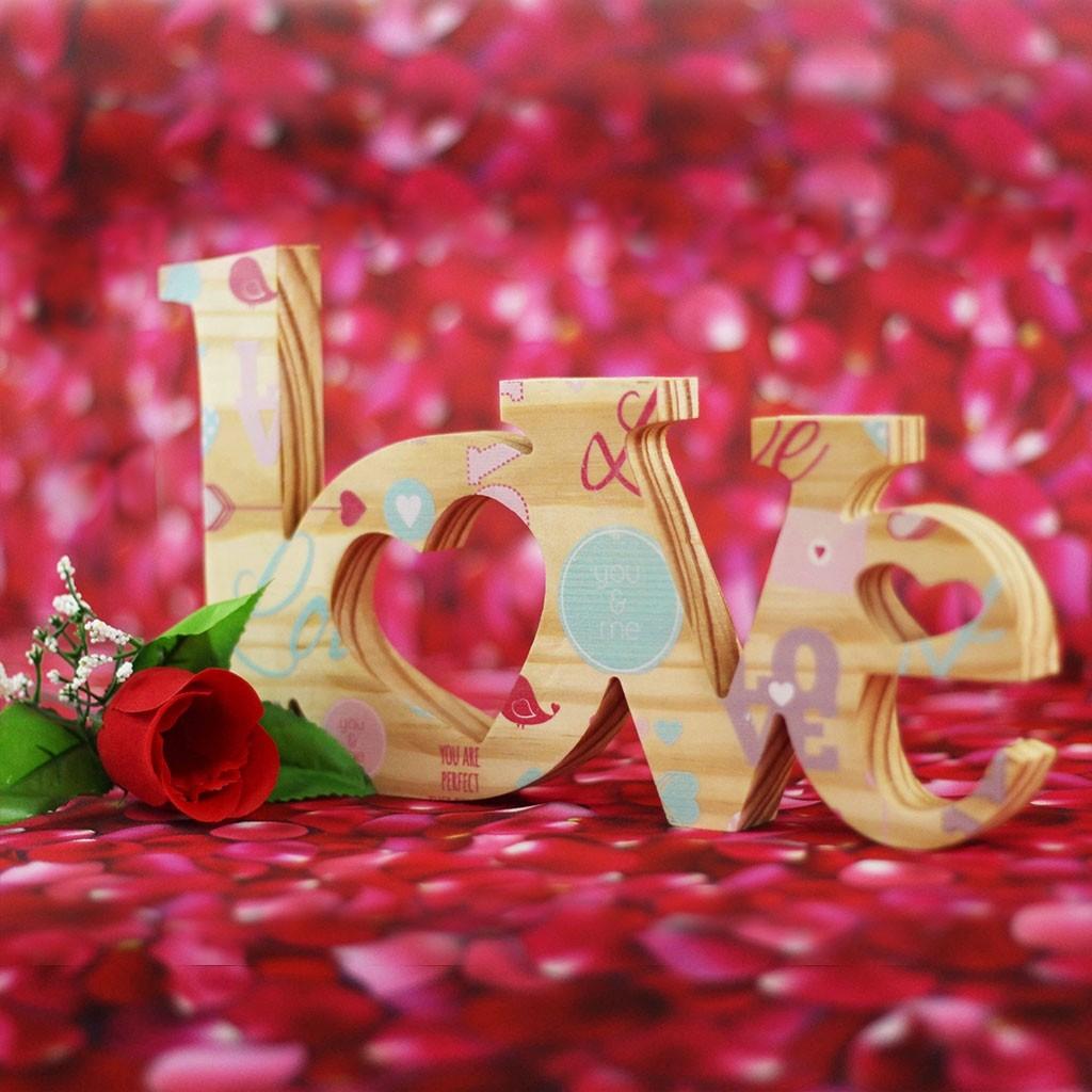 Love Cut in Wood