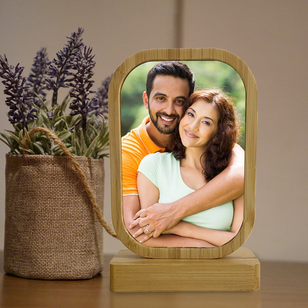 Wooden Frame with a Magnetic Stand - Small