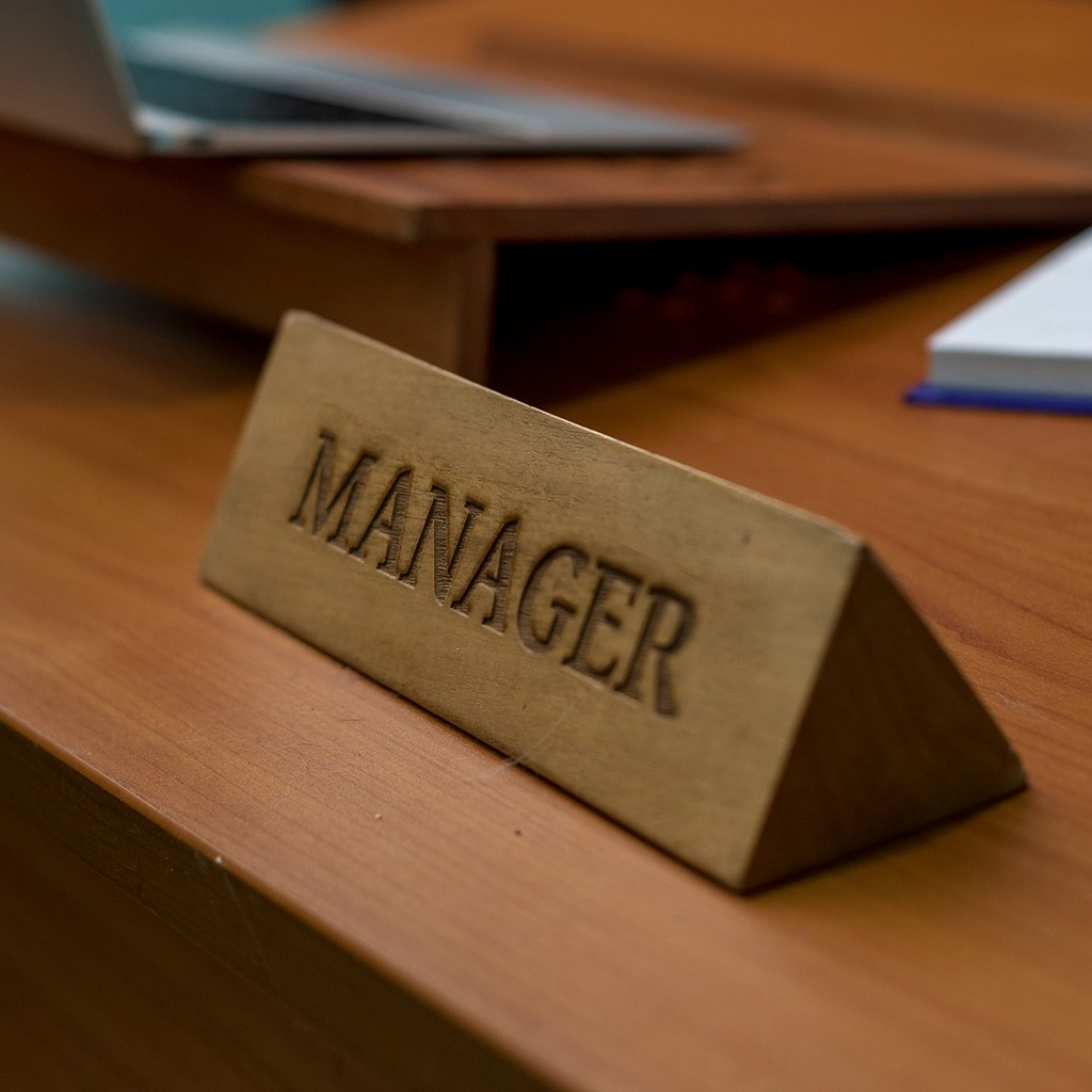 Designation Prism Wooden table stand (Manager)